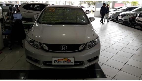 //www.autoline.com.br/carro/honda/civic-20-lxr-16v-sedan-flex-4p-automatico/2016/sao-paulo-sp/6101254