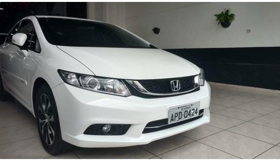 //www.autoline.com.br/carro/honda/civic-20-lxr-16v-sedan-flex-4p-automatico/2015/londrina-pr/6780088