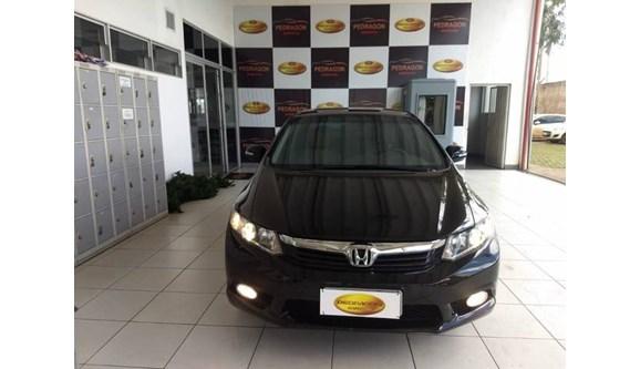 //www.autoline.com.br/carro/honda/civic-20-lxr-16v-sedan-flex-4p-automatico/2014/brasilia-df/6808160