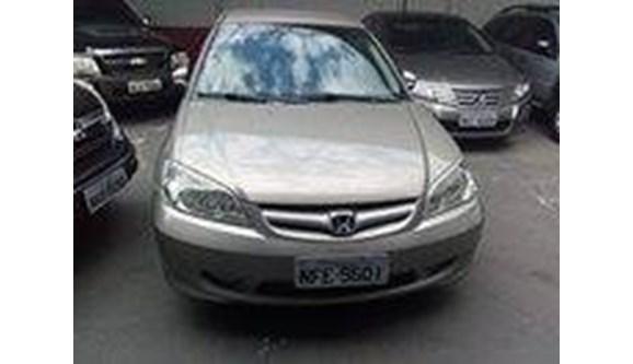 //www.autoline.com.br/carro/honda/civic-17-lx-16v-sedan-gasolina-4p-manual/2004/goiania-go/6933684