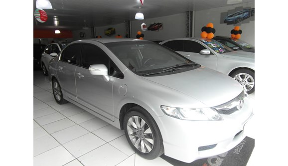 //www.autoline.com.br/carro/honda/civic-18-lxl-16v-sedan-flex-4p-manual/2010/maringa-pr/6981433