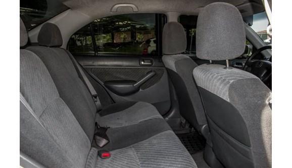 //www.autoline.com.br/carro/honda/civic-17-lx-16v-sedan-gasolina-4p-manual/2002/novo-hamburgo-rs/7879322