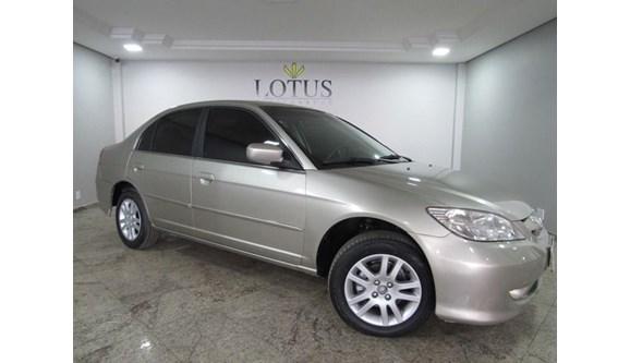 //www.autoline.com.br/carro/honda/civic-17-lx-16v-sedan-gasolina-4p-manual/2004/brasilia-df/8163355