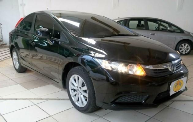 //www.autoline.com.br/carro/honda/civic-20-lxr-16v-sedan-flex-4p-automatico/2014/belem-pa/9709400