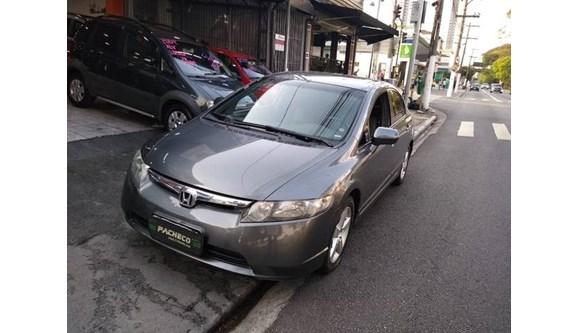 //www.autoline.com.br/carro/honda/civic-18-lxs-16v-sedan-flex-4p-automatico/2008/sao-paulo-sp/9841471