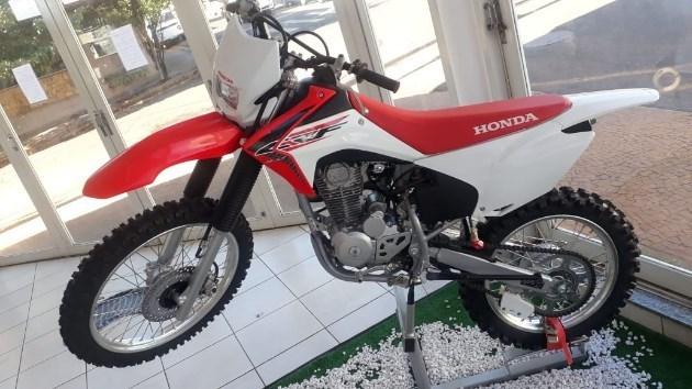 //www.autoline.com.br/moto/honda/crf-250-f/2020/barretos-sp/11226503