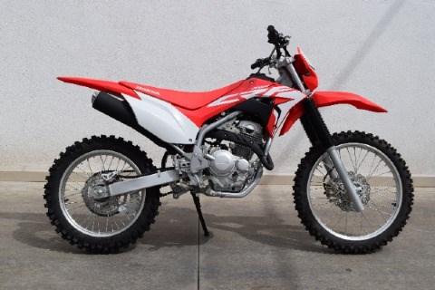 //www.autoline.com.br/moto/honda/crf-250-f/2021/conceicao-dos-ouros-mg/14986155
