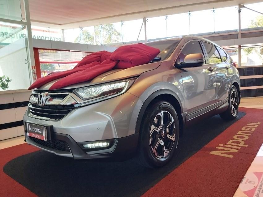 //www.autoline.com.br/carro/honda/cr-v-15-touring-16v-gasolina-4p-4x4-automatico/2018/curitiba-pr/11909300