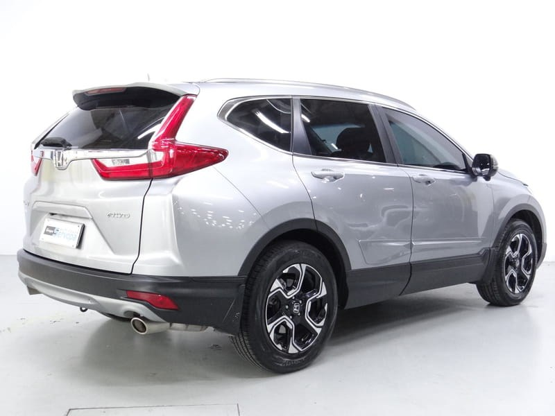 //www.autoline.com.br/carro/honda/cr-v-15-touring-16v-gasolina-4p-4x4-automatico/2018/curitiba-pr/15204870