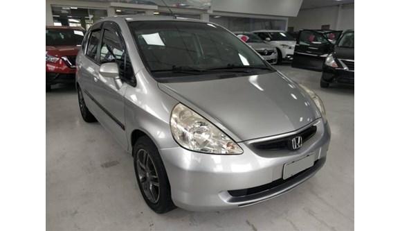 //www.autoline.com.br/carro/honda/fit-14-lxl-8v-gasolina-4p-automatico/2005/sao-paulo-sp/10186994