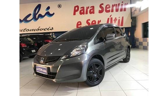 //www.autoline.com.br/carro/honda/fit-14-cx-16v-flex-4p-automatico/2014/sao-paulo-sp/11701804