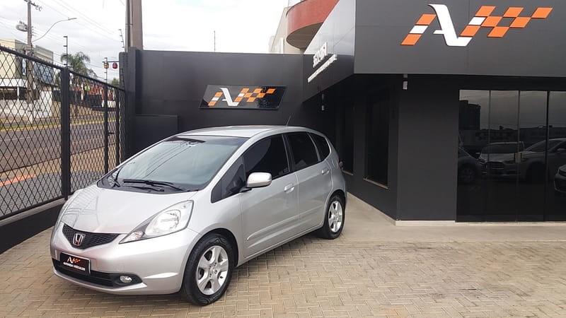 //www.autoline.com.br/carro/honda/fit-14-lx-16v-flex-4p-automatico/2010/guarapuava-pr/11894226