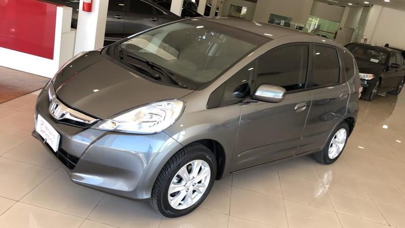 //www.autoline.com.br/carro/honda/fit-14-lx-16v-flex-4p-automatico/2013/brasilia-df/12337095