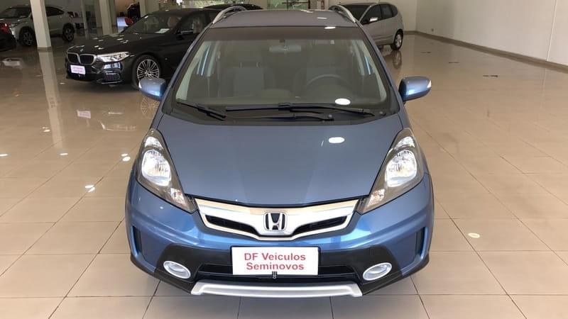 //www.autoline.com.br/carro/honda/fit-15-twist-16v-flex-4p-automatico/2013/brasilia-df/12337199