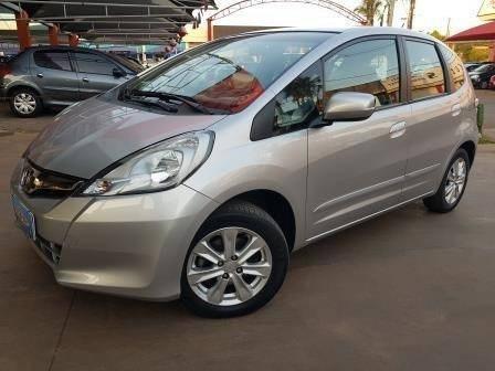 //www.autoline.com.br/carro/honda/fit-14-lx-16v-flex-4p-automatico/2013/brasilia-df/12372503