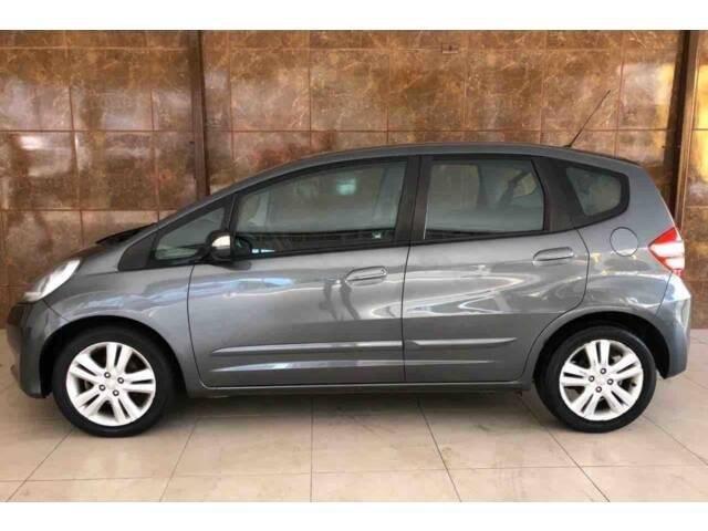 //www.autoline.com.br/carro/honda/fit-15-ex-16v-flex-4p-automatico/2013/divinopolis-mg/12373840