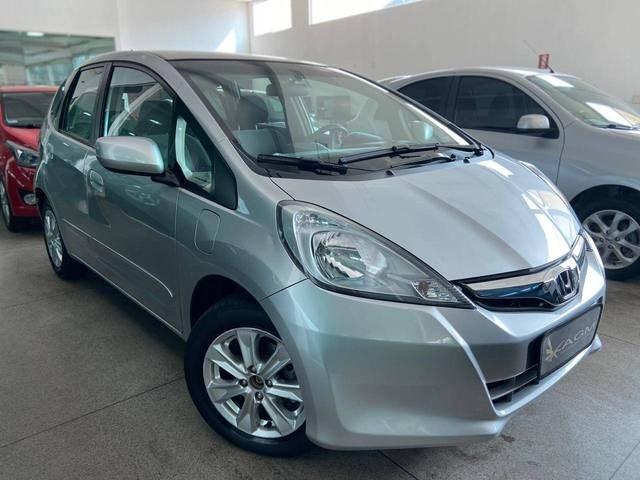 //www.autoline.com.br/carro/honda/fit-14-lx-16v-flex-4p-automatico/2013/goiania-go/12611079
