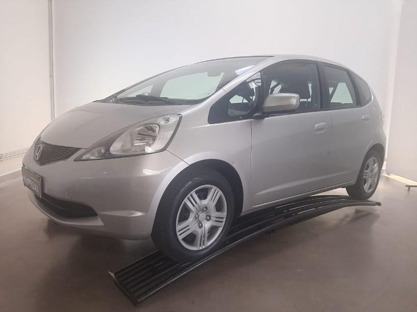 //www.autoline.com.br/carro/honda/fit-14-dx-16v-flex-4p-manual/2012/brasilia-df/12664452