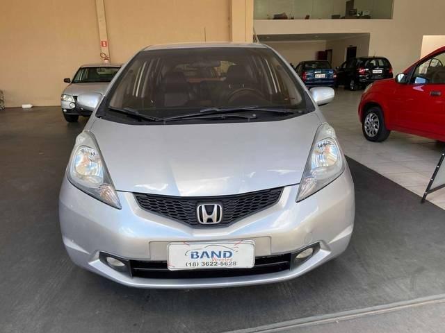 //www.autoline.com.br/carro/honda/fit-15-exl-16v-flex-4p-automatico/2010/aracatuba-sp/13105885