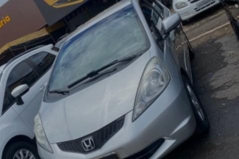 //www.autoline.com.br/carro/honda/fit-14-lx-16v-flex-4p-automatico/2010/brasilia-df/14011463
