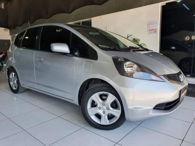 //www.autoline.com.br/carro/honda/fit-14-lxl-16v-flex-4p-automatico/2012/blumenau-sc/14722511