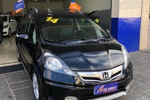 //www.autoline.com.br/carro/honda/fit-15-twist-16v-flex-4p-automatico/2014/caruaru-pe/14817607
