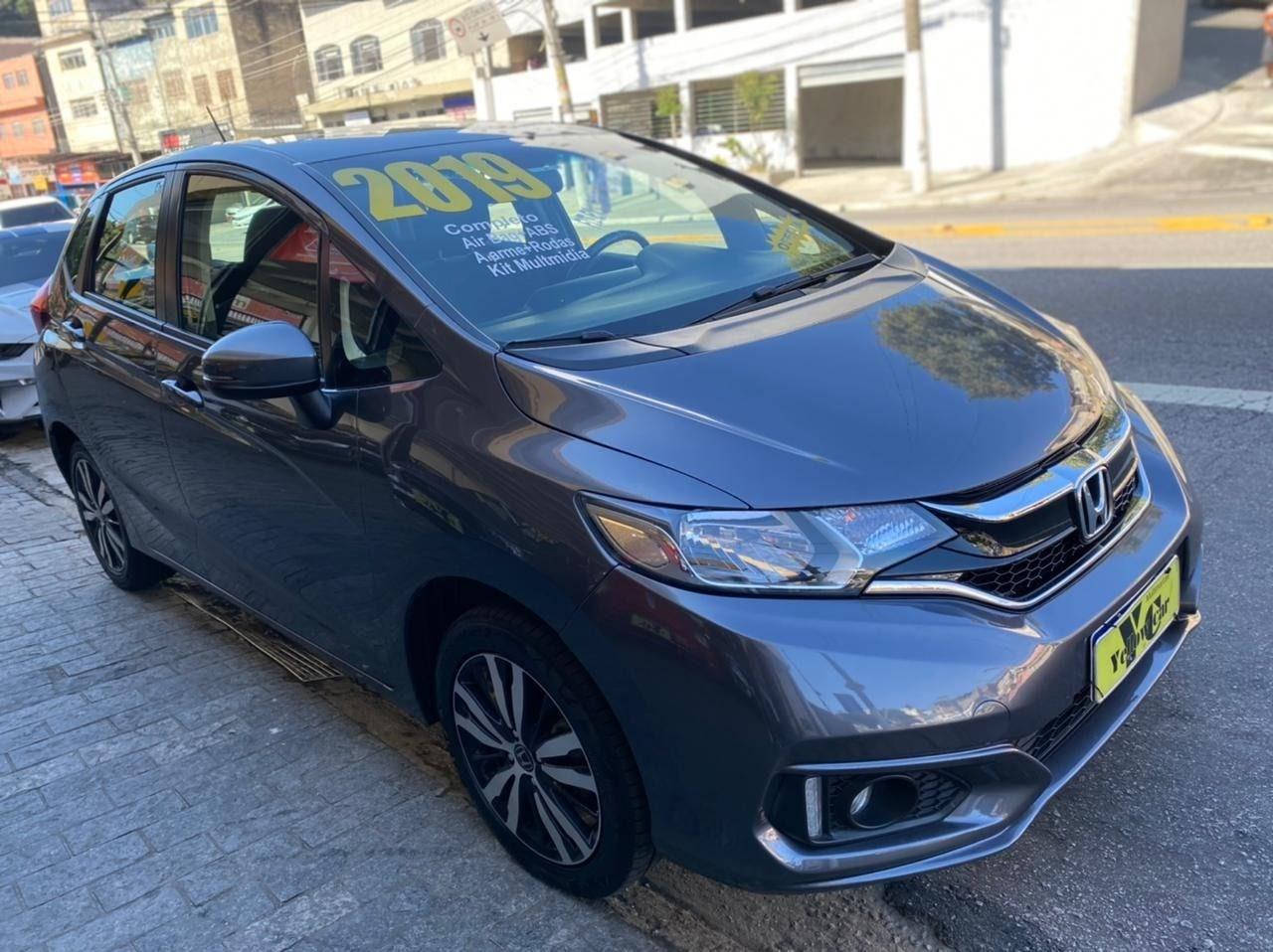 //www.autoline.com.br/carro/honda/fit-15-lx-16v-flex-4p-cvt/2019/sao-paulo-sp/14834178