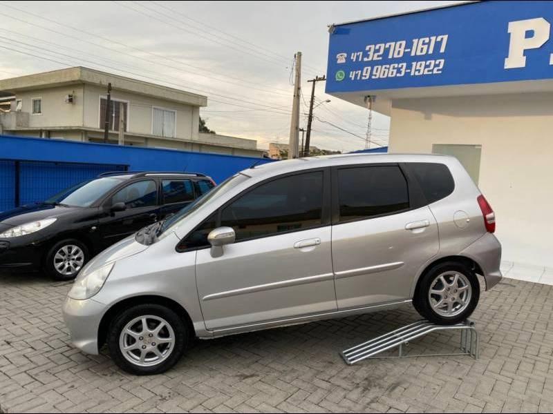 //www.autoline.com.br/carro/honda/fit-15-ex-16v-gasolina-4p-manual/2008/joinville-sc/14837453