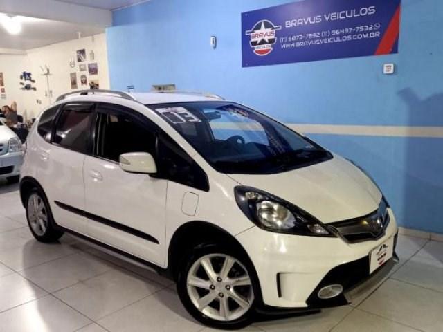 //www.autoline.com.br/carro/honda/fit-15-twist-16v-flex-4p-automatico/2013/sao-paulo-sp/14900261