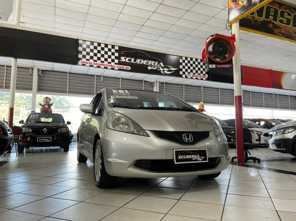 //www.autoline.com.br/carro/honda/fit-15-ex-16v-flex-4p-automatico/2011/sao-bernardo-do-campo-sp/14933803