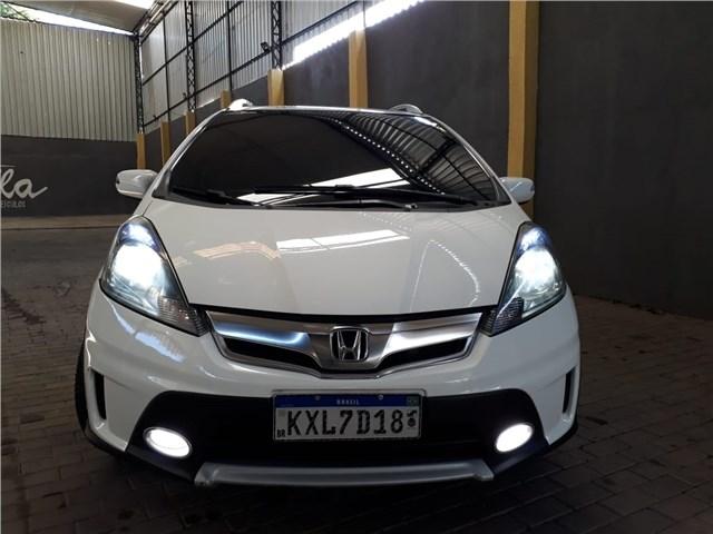//www.autoline.com.br/carro/honda/fit-15-twist-16v-flex-4p-automatico/2014/rio-de-janeiro-rj/14953236