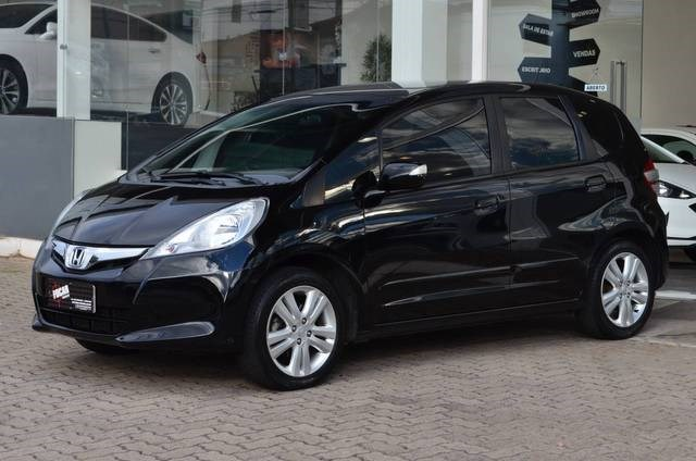 //www.autoline.com.br/carro/honda/fit-15-ex-16v-flex-4p-automatico/2013/caxias-do-sul-rs/14979782