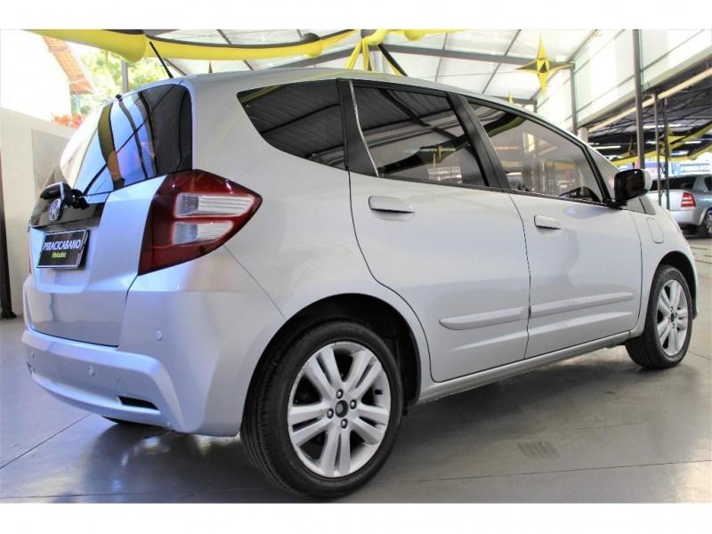 //www.autoline.com.br/carro/honda/fit-15-ex-16v-flex-4p-automatico/2013/campinas-sp/15210162