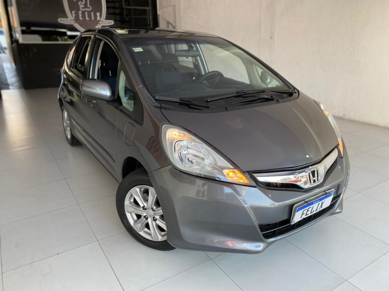 //www.autoline.com.br/carro/honda/fit-14-lx-16v-flex-4p-automatico/2013/sao-paulo-sp/15236490