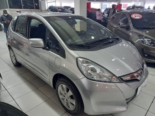 //www.autoline.com.br/carro/honda/fit-14-lx-16v-flex-4p-automatico/2013/osasco-sp/15270859
