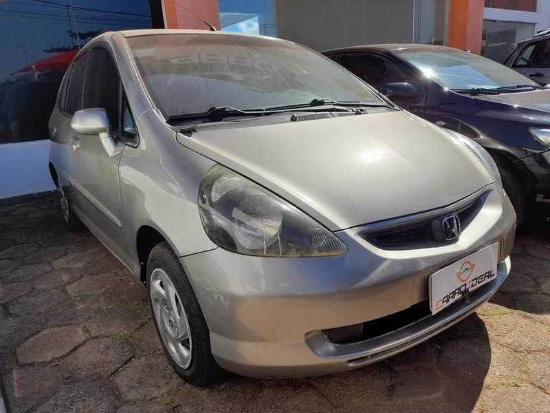 //www.autoline.com.br/carro/honda/fit-14-lx-8v-gasolina-4p-manual/2004/brasilia-df/15564364