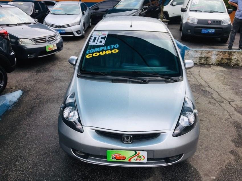 //www.autoline.com.br/carro/honda/fit-14-lxl-8v-gasolina-4p-manual/2006/sao-paulo-sp/15598761