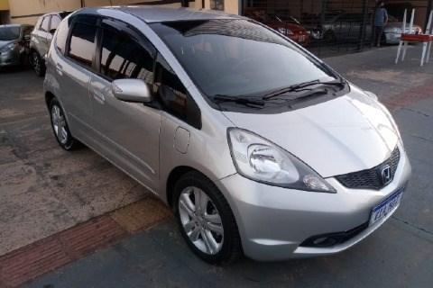 //www.autoline.com.br/carro/honda/fit-15-ex-16v-flex-4p-automatico/2010/campo-grande-ms/15600338