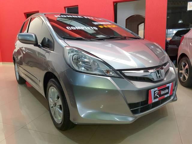 //www.autoline.com.br/carro/honda/fit-14-lx-16v-flex-4p-automatico/2014/sao-paulo-sp/15797063