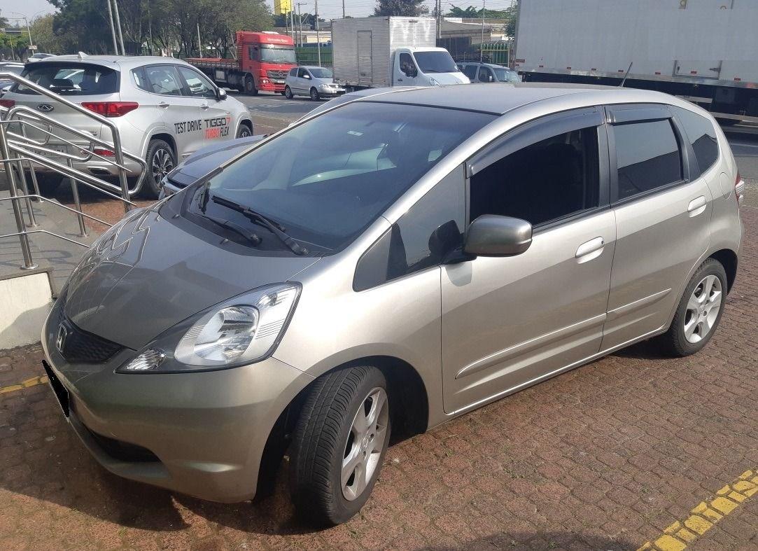 //www.autoline.com.br/carro/honda/fit-14-lxl-16v-flex-4p-automatico/2011/sao-paulo-sp/15827755