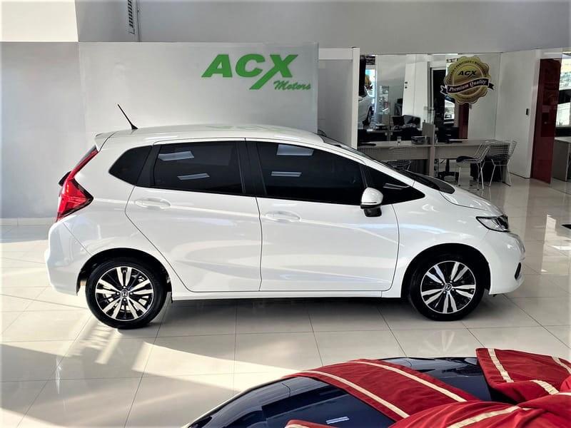 //www.autoline.com.br/carro/honda/fit-15-exl-16v-flex-4p-cvt/2020/curitiba-pr/15900390
