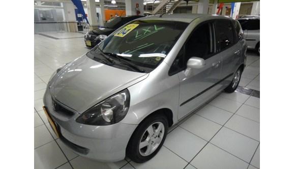 //www.autoline.com.br/carro/honda/fit-14-lxl-8v-gasolina-4p-manual/2004/sao-paulo-sp/5341657