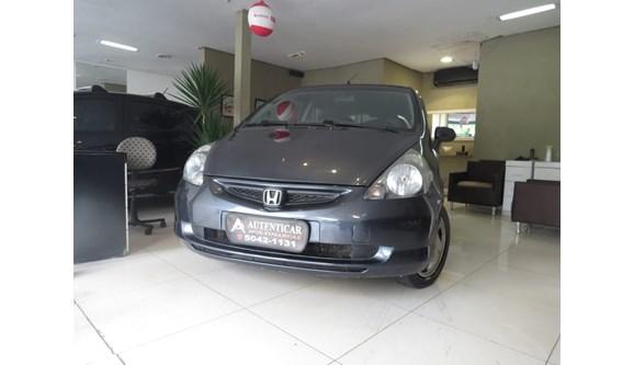 //www.autoline.com.br/carro/honda/fit-14-lxl-8v-gasolina-4p-automatico/2004/sao-paulo-sp/6782211