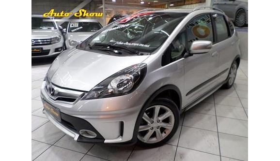 //www.autoline.com.br/carro/honda/fit-15-twist-16v-flex-4p-automatico/2014/sao-paulo-sp/7014992