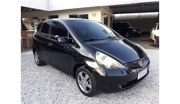 //www.autoline.com.br/carro/honda/fit-14-lxl-8v-gasolina-4p-automatico/2005/brusque-sc/7062705
