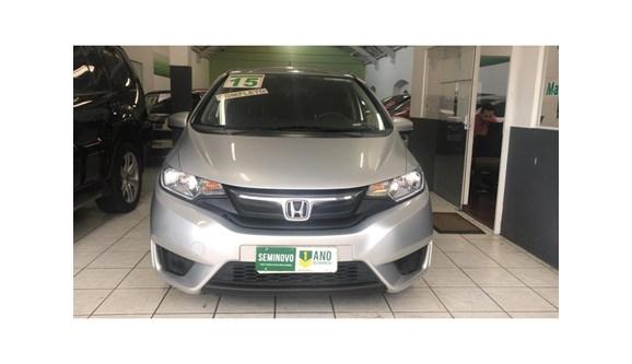 //www.autoline.com.br/carro/honda/fit-15-lx-16v-flex-4p-automatico/2015/sao-paulo-sp/8121905