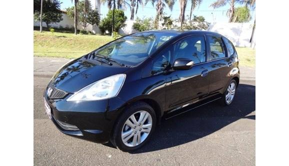 //www.autoline.com.br/carro/honda/fit-15-ex-16v-flex-4p-automatico/2009/patrocinio-mg/8455963