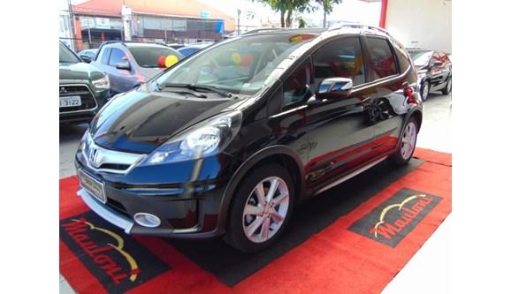 //www.autoline.com.br/carro/honda/fit-15-twist-16v-flex-4p-automatico/2014/curitiba-pr/8560601