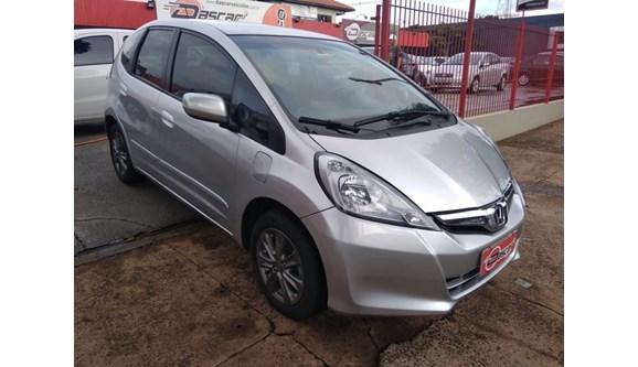 //www.autoline.com.br/carro/honda/fit-15-exl-16v-flex-4p-automatico/2013/cascavel-pr/8588440