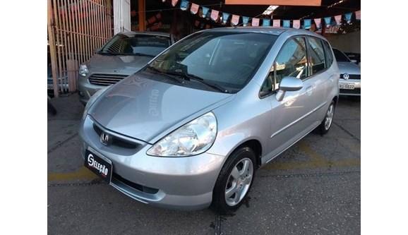 //www.autoline.com.br/carro/honda/fit-14-lx-8v-gasolina-4p-automatico/2004/teresina-pi/8865103